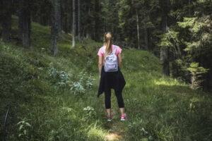 Jak zhubnout při chůzi? Kolik kroků a jak často chodit při hubnutí?
