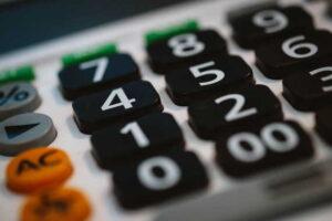 Kalkulačka: Výpočet nezabavitelné částky při insolvenci (oddlužení) 2021