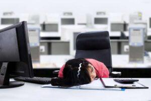 Podpora v nezaměstnanosti a příjem z pronájmu
