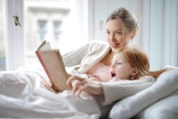 Nemocenská při mateřské dovolené a zaměstnání