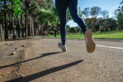 Jím zdravě, cvičím a nehubnu. Proč se mi nedaří zhubnout?
